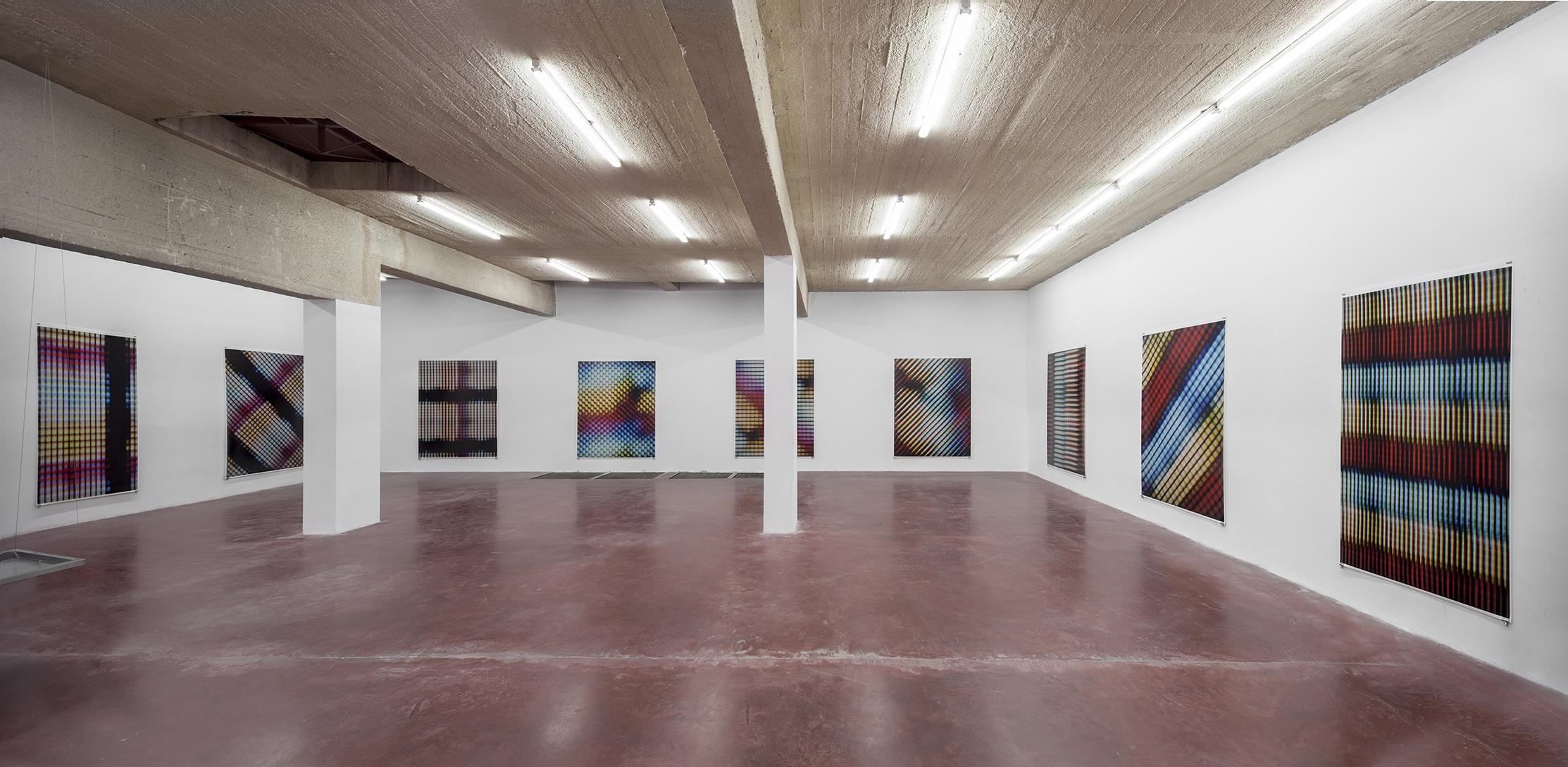 Art exhibit critique essay