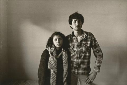 يعقوب شوفار، من أبناء المكان، 1979 – 1983، مجموعة قسم التصوير، أرشيف بتسلئيل  من كتاب حقيقة التّصوير الفوتوغرافي هي حقيقة طبيعيّة- سجلّ قسم التّصوير، ص 239، بلُطف من نوعا تصدقا