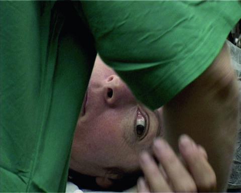 ايا بن رون، فيديو صوَر من Still under Treatment