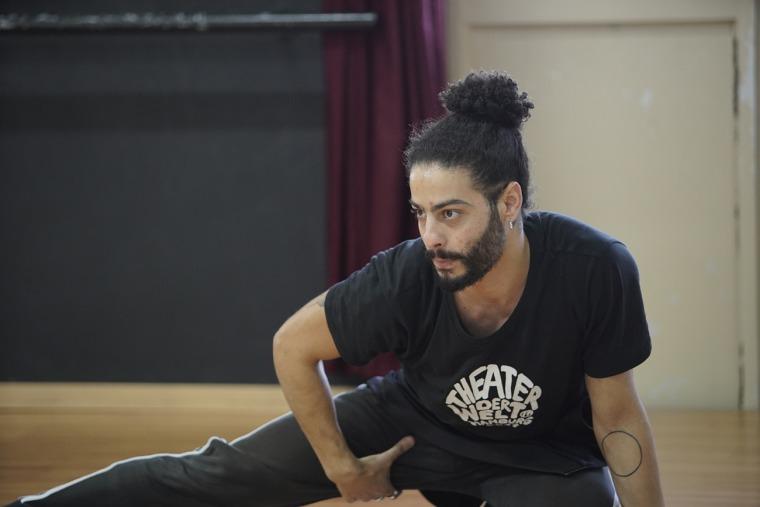 """أيمن صفيّة، تمارين """"عرض بيَن عالمَين""""، 2019، بلُطف مدرسة الأمل، الناصرة."""