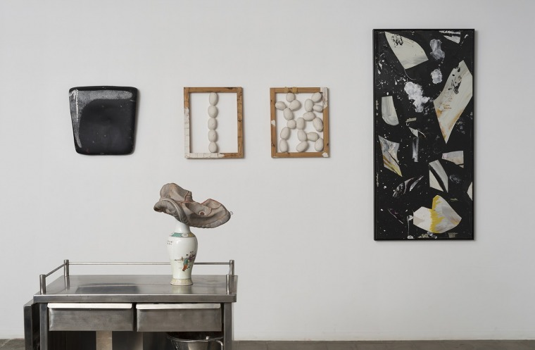"""Har Tsyion Kibbutz Galuyot"" exhibition, featuring works by Tsibi Geva & Yitzhak (Itche) Golombek. Photographer: Elad Sarig. Courtesy of Barbur Gallery"