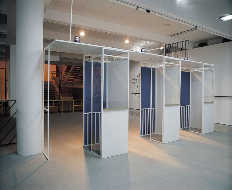 Ohad Meromi, Border Crossing, installation view, Helena Rubinstien Pavilion, The Tel Aviv Museum of Art, 2001