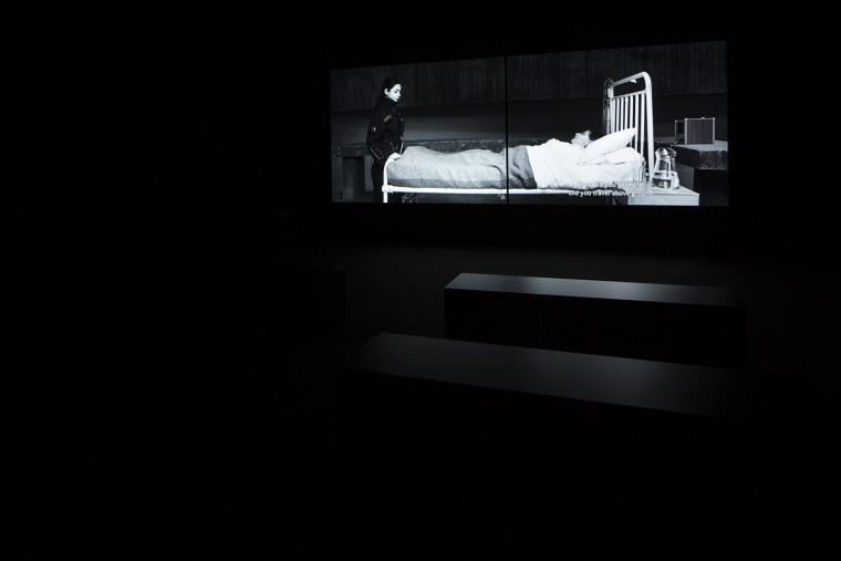 """לריסה סנסור, מראה הצבה מתוך התערוכה """"ירושה"""", הביתן הדני, ונציה 2019. צילום: פרנצ'סקו ג'לי. באדיבות הביאנלה בוונציה"""