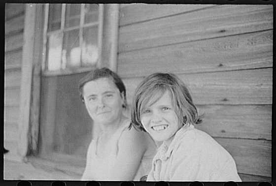 חגי אולריך סקירה, תוהו, ווקר אוונס, אליזבת' ואידה רות טנגל, מחוז הייל, אלבמה, קיץ 1936