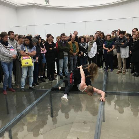 אמה דניאל ובילי בולת'יל מתוך: אן אימהוף, פאוסט, 2017, הביתן הגרמני, הביאנלה ה-57 בוונציה  צילום: תומר ספיר