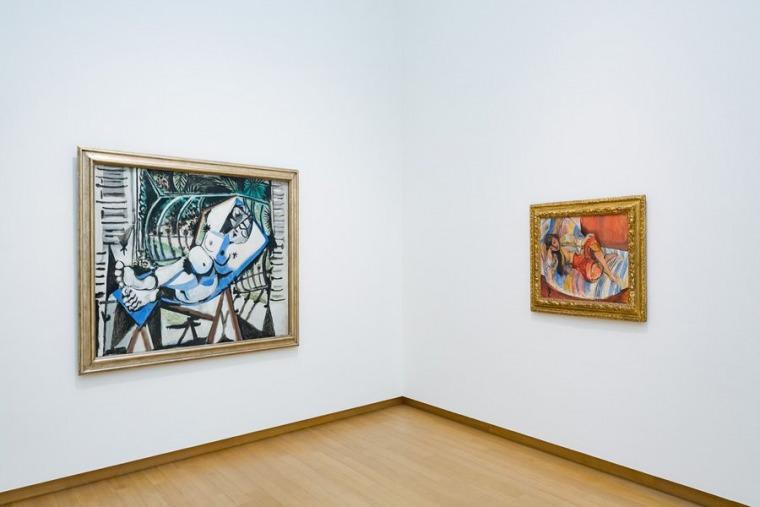 """מבט הצבה של """"שאגאל, פיקאסו, מונדריאן ואחרים: אמנים מהגרים בפריז""""  באדיבות מוזיאון סטדליק באמסטרדם"""