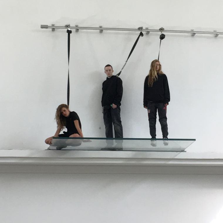 אמה דניאל, מיקי מאהאר ולאה וולש מתוך: אן אימהוף, פאוסט, 2017, הביתן הגרמני, הביאנלה ה-57 בוונציה  צילום: תומר ספיר