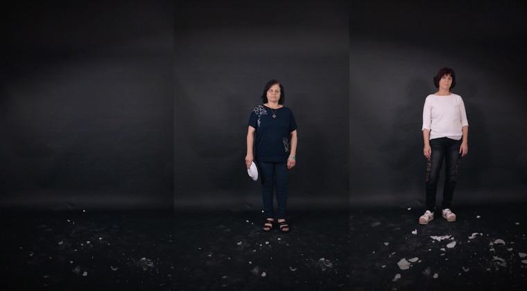 """כרם נאטור, סטילס מתוך עבודת הוידאו """"חזרו אחריי"""", 2018 הגלריה לאמנות אום אל פחם"""