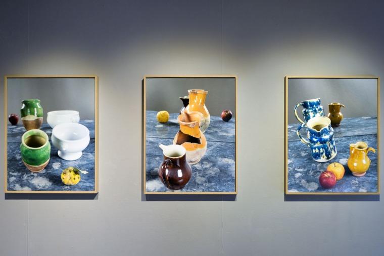 מראה הצבה מתוך l'Atelier vu à travers un Miroir, אטלייה סזאן, אקס-אן-פרובנס, צרפת, 2018 באדיבות Institut Francais/T.Chapotot 2018