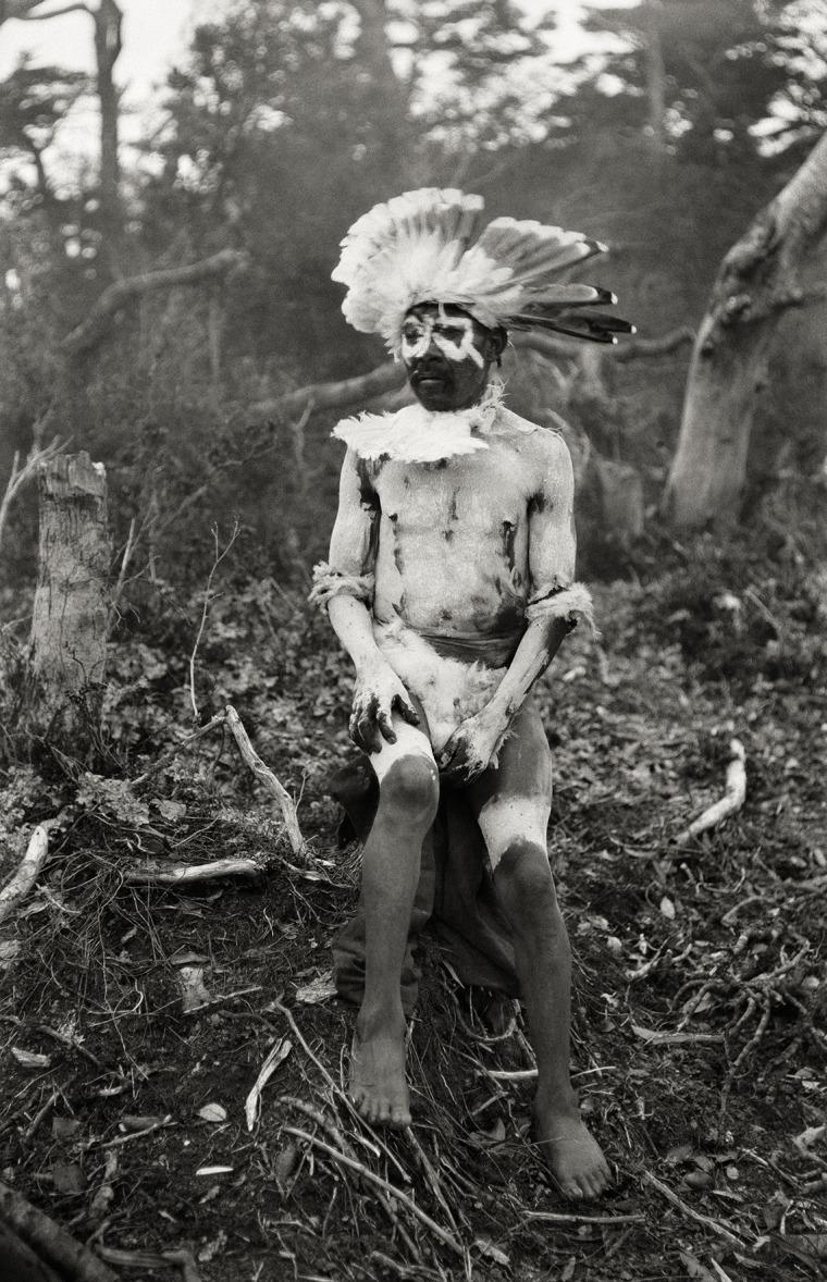 Chaman. Kawésqar, 1919-1924 © Martin Gusinde / Anthropos Institut / Éditions Xavier Barral