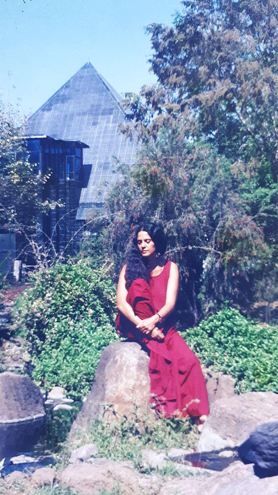 סמבביה אננד, האשראם של אושו בפונה, תחילת שנות ה90, באדיבות סמבביה אננד