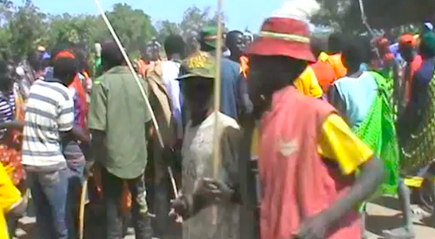 סטיל מתוך וידאו שצילם אברהם מנגטובה, באחד מביקוריו במולדתו באקווטוריה המזרחית שבדרום סודן.